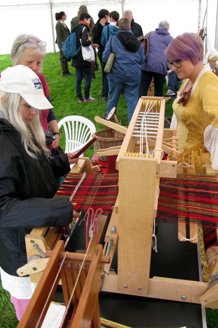Grantown_celebrations_weaving