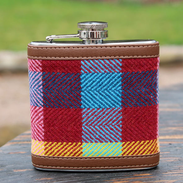 Esja_hipflask_bright_colours