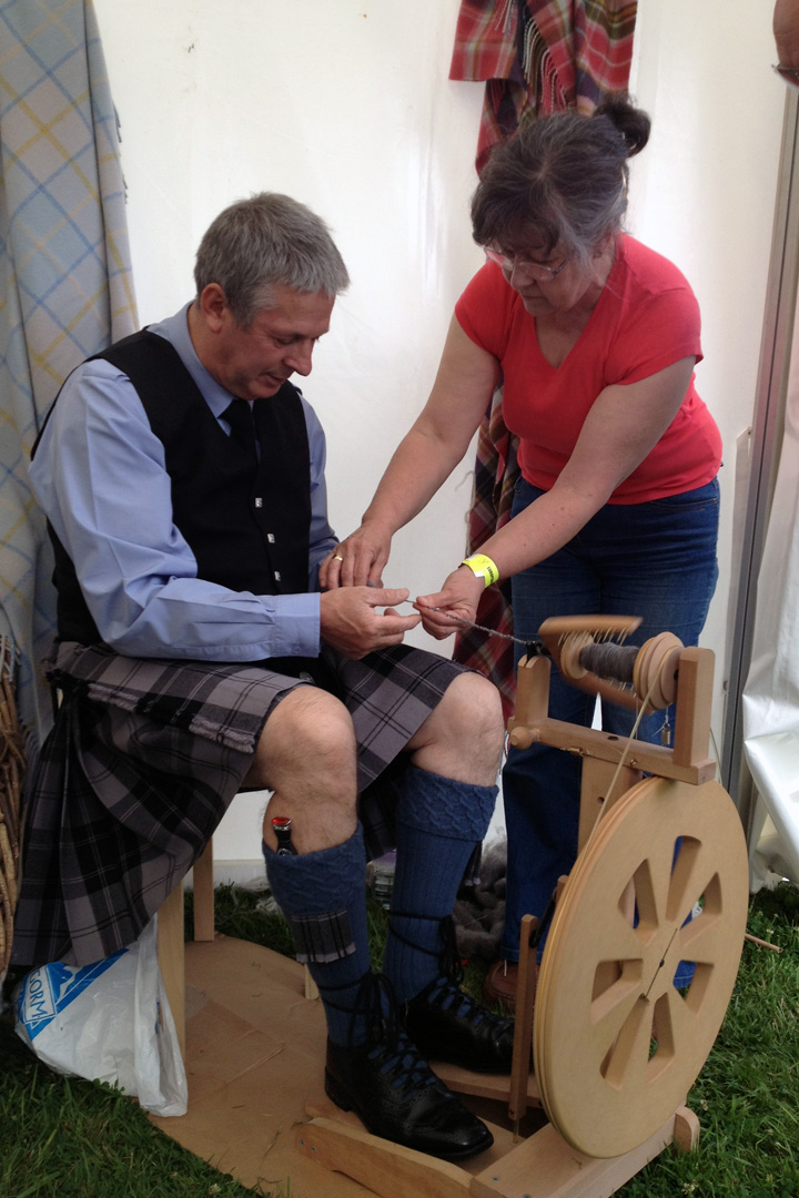 Spinning_wheel_kilt
