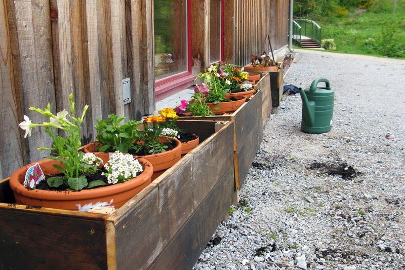 Gardeners_woolmill_planters