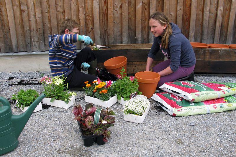 Junior_gardeners_woolmill